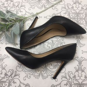 """Vince Camuto Shoes - 🌿Vince Camuto """"Callista"""" Leather Pointed Pumps"""